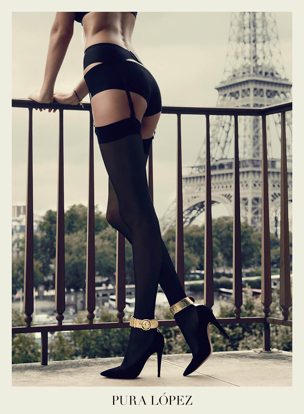 zapatos de tacón alto color negro pulsera metalizada