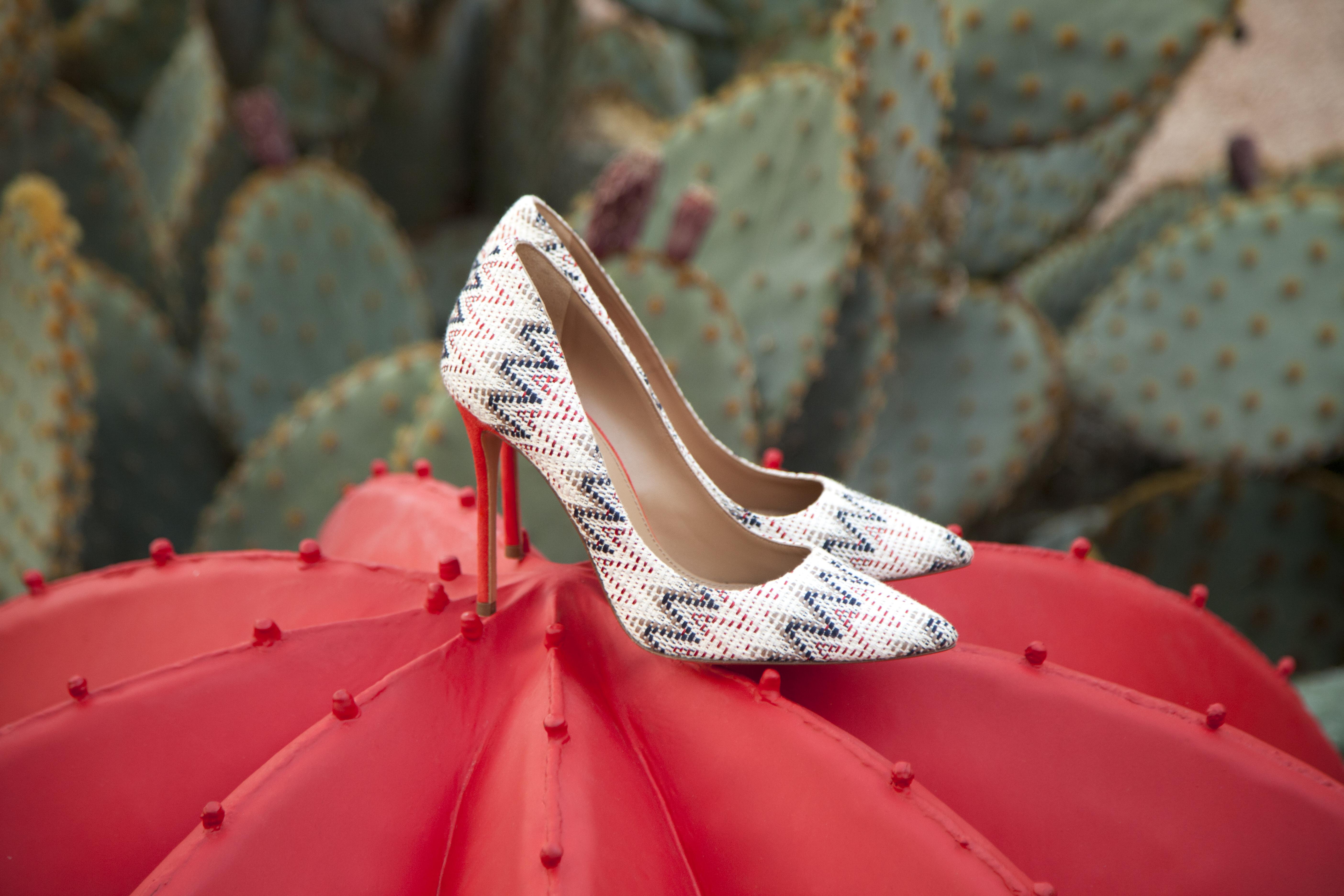 Zapatos de tacón alto en tejido multicolor