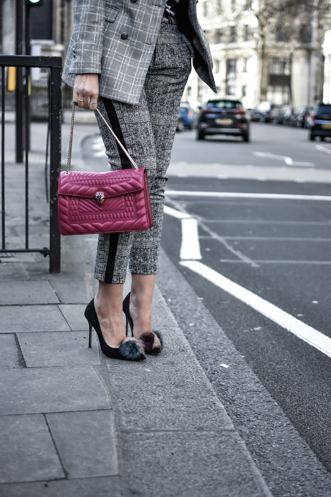 el-blog-de-silvia-rodriguez-street-style-lfw-london-fashion-week-suit-traje-masculino-bulgari-bolso-blogger-influencer (15)