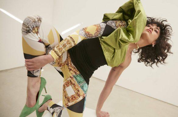 cecilia gomez con zapatos de tacon verdes pura lopez