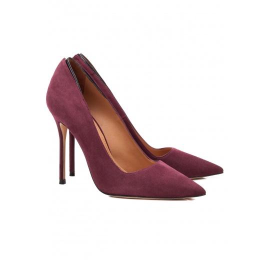 Zapatos de salón con tacón alto en ante color berenjena Pura L�pez
