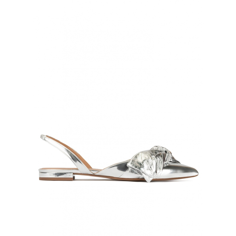 Bow detailed pointy toe flats in silver mirrored leather