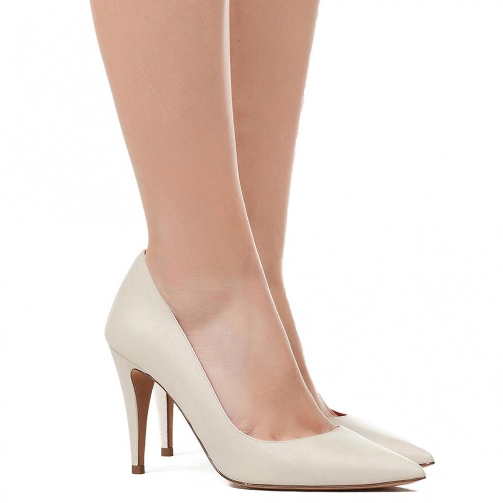 Zapatos de salón en piel crema - tienda de zapatos Pura López