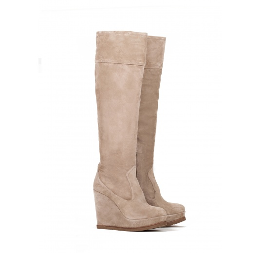 Wedge boots in taupe suede Pura L�pez