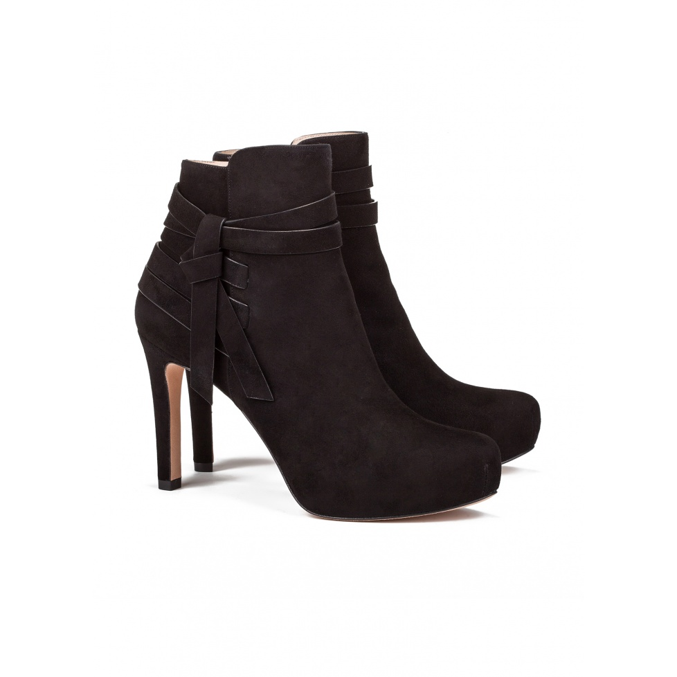 Botines de tacón medio en ante negro - tienda de zapatos Pura López