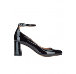 Ankle strap mid heel shoes in black patent leather Pura López