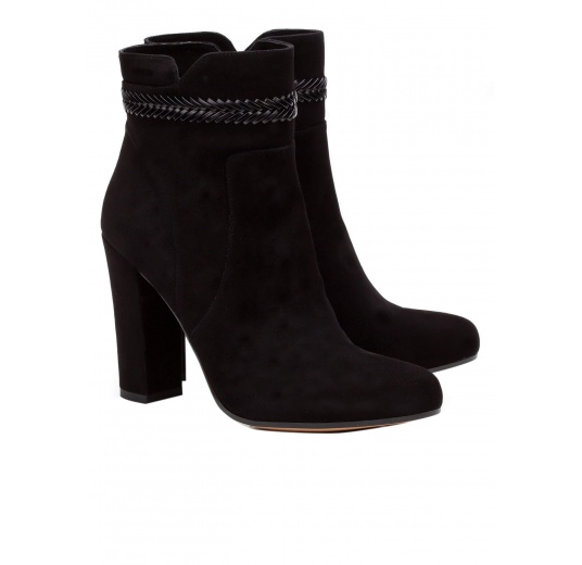 High heel ankle boots in black suede with leather stitching Pura López