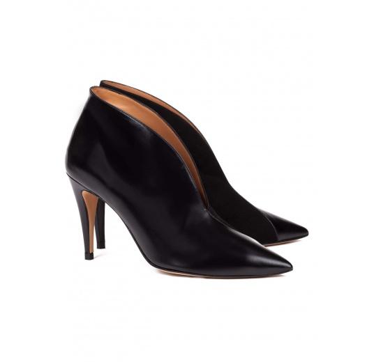 Botines de tacón alto en piel color negro Pura López