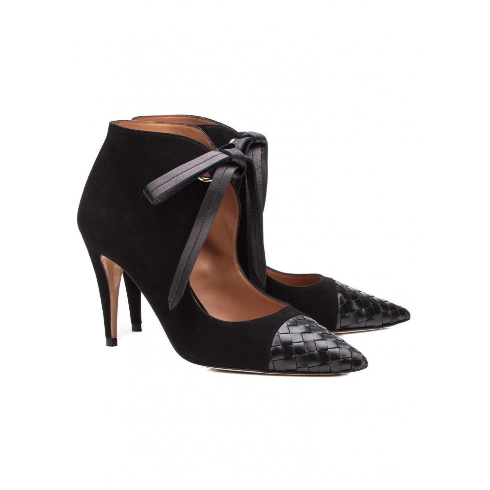 Zapatos negros con lazada - tienda de zapatos Pura López