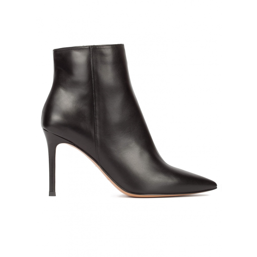 Black leather heeled point-toe ankle boots
