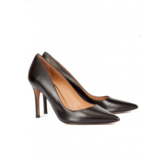 High heel pumps in black calf leather Pura L�pez