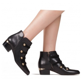 Button detailed mid heel ankle boots in black leather Pura López