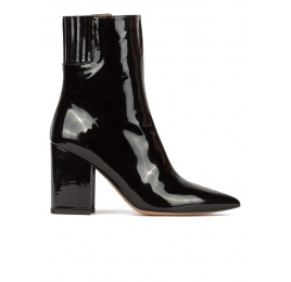 Black patent high block heel pointy toe boots Pura López