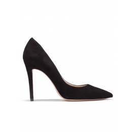 High heel pumps in black suede Pura López