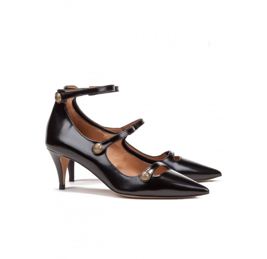 Button detailed ankle strap mid heel shoes in black leather Pura López
