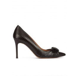 Knot-embellished heeled pumps in black calf leather Pura López