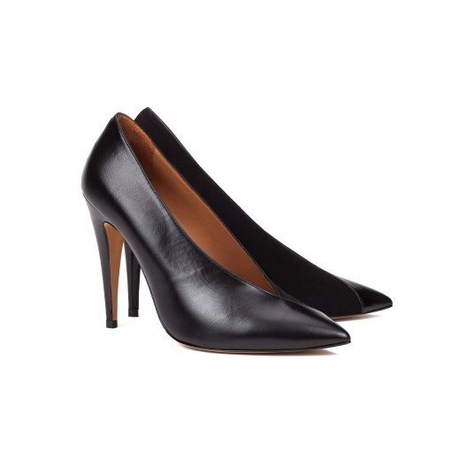 V-cut high heel pumps in black leather and suede Pura L�pez