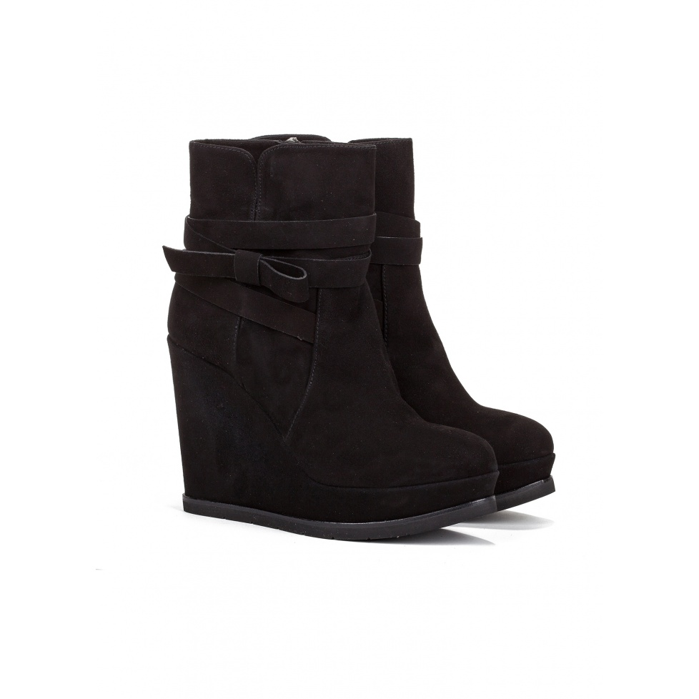 Wedge ankle boots in black suede - online shoe store Pura Lopez