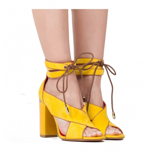 Lace-up block high heel sandals in yellow suede Pura L�pez