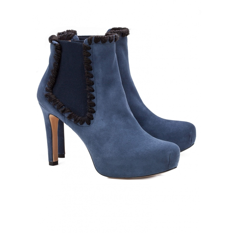 Mid heel ankle boots in blue suede - online shoe store Pura Lopez