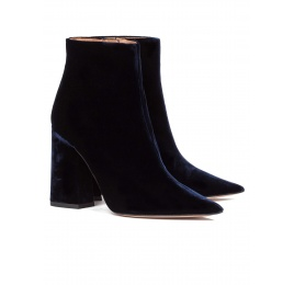 High heel ankle boots in night blue velvet Pura López