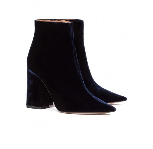 High heel ankle boots in night blue velvet Pura L�pez