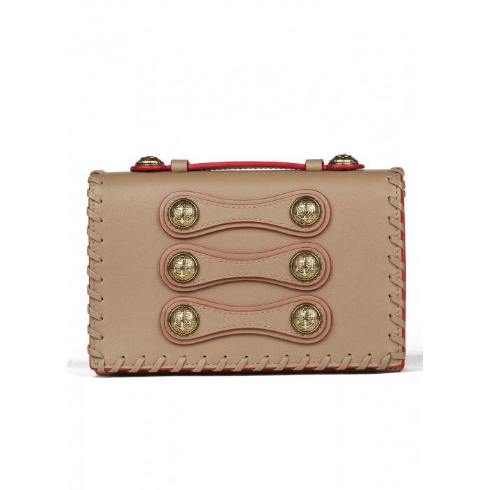 Bolso pequeño en piel color topo con detalle de botones