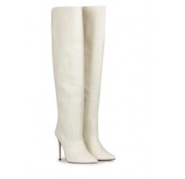 Botas blancas de napa con tacón stiletto y punta afilada Pura López