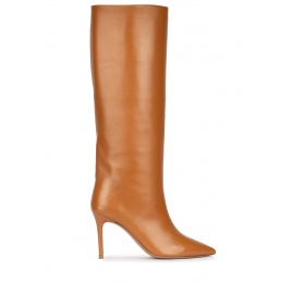 High heel pointy toe boots in camel leather Pura López