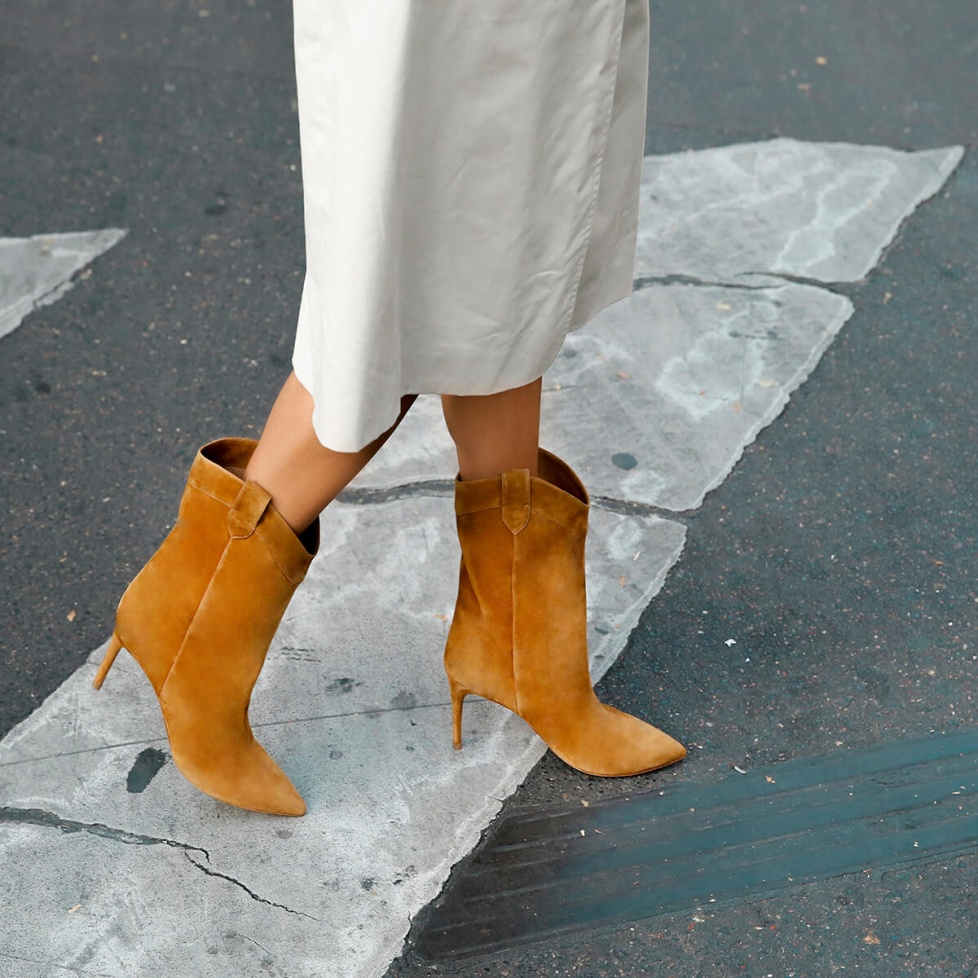 Cowboy mid-heel pointy toe boots in camel suede