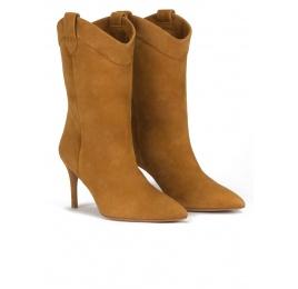 Cowboy mid-heel pointy toe boots in camel suede Pura López