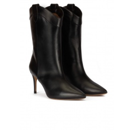 Cowboy mid heel point-toe boots in black leather Pura López
