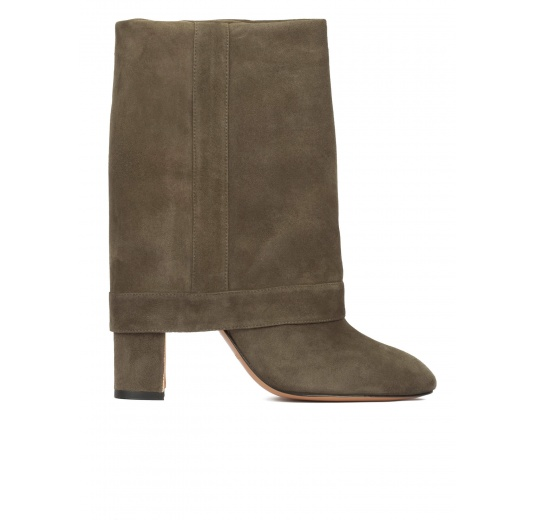 Folded high block heel boots in khaki green suede Pura López