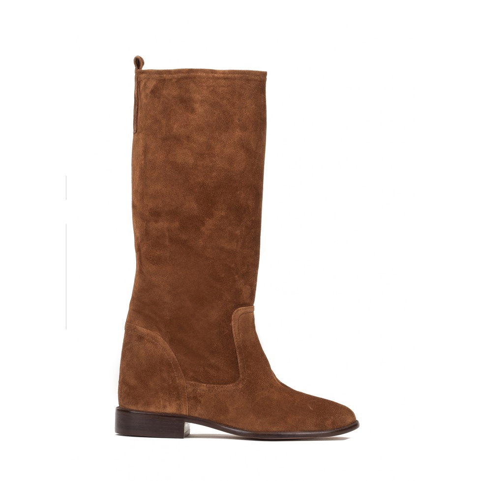 Concealed wedge boots in brown suede