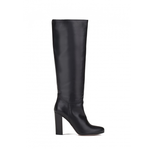 High heel boots in black leather Pura L�pez