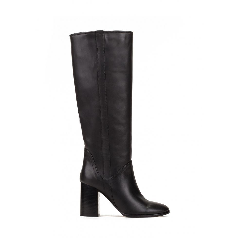 Botas de tacón alto en piel color negro