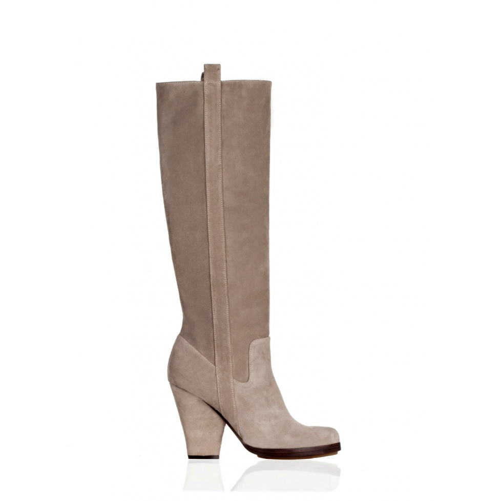 High heel boots in taupe suede