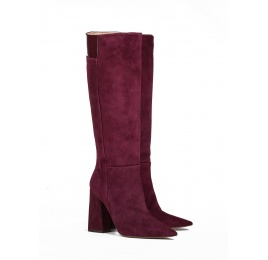 High heel boots in burgundy suede Pura López