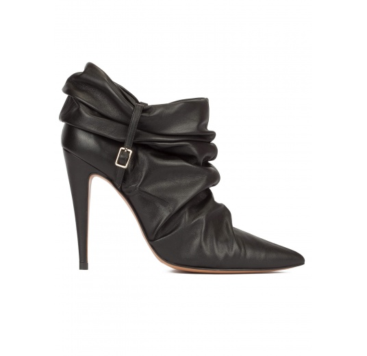 Slouch high heel pointy toe ankle boots in black leather Pura L�pez