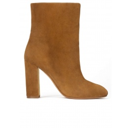 High block heel ankle boots in camel suede Pura López