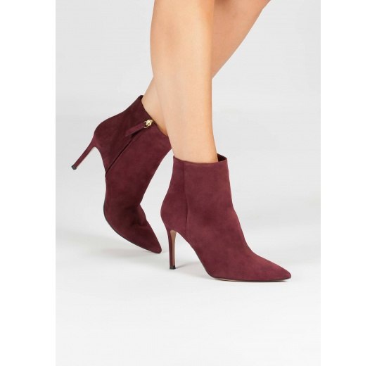 High heel pointy toe ankle boots in burgundy suede Pura L�pez