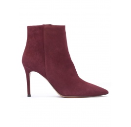 High heel pointy toe ankle boots in burgundy suede Pura López