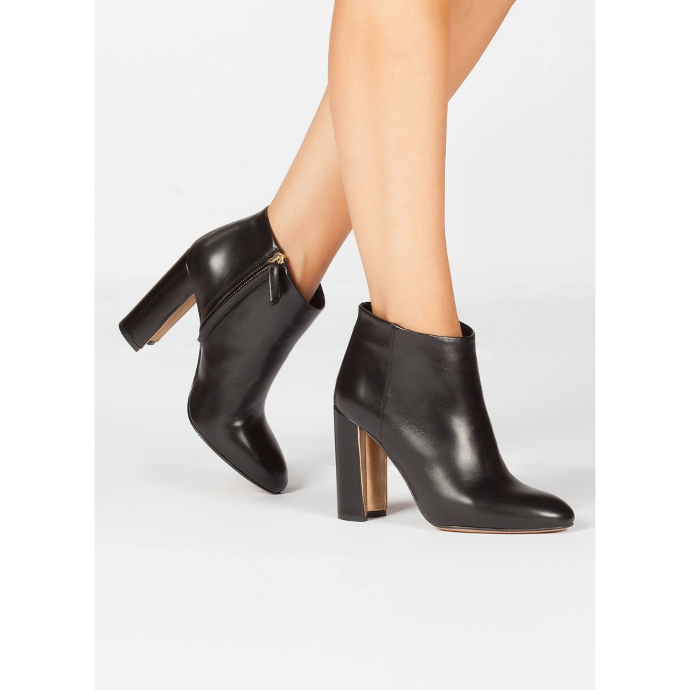High block heel ankle boots in black nappa leather