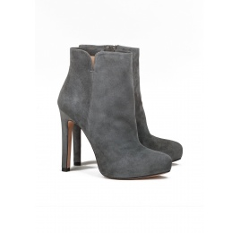High heel ankle boots in grey suede Pura López