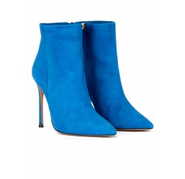 High heel point-toe ankle boots in royal blue suede Pura López