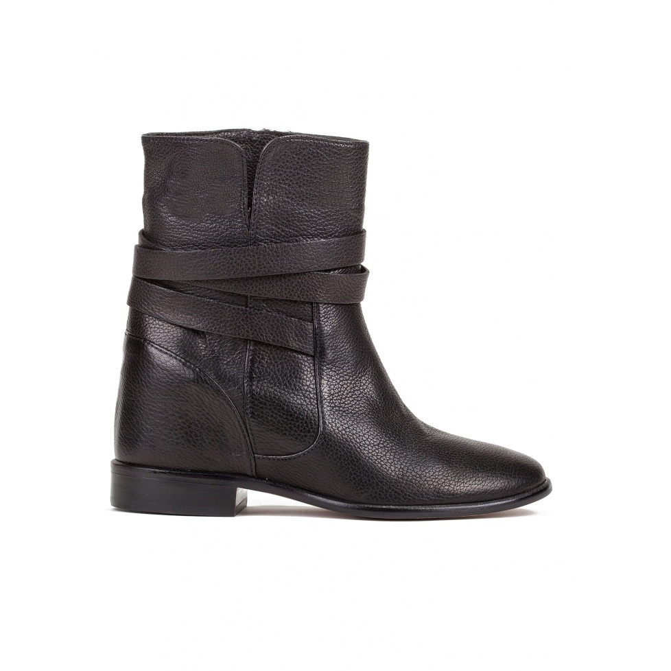Concealed wedge ankle boots in black leather