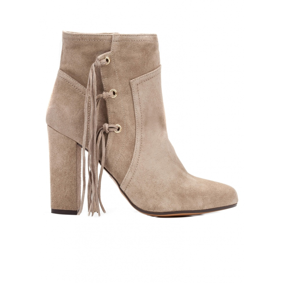 High heel ankle boots in taupe suede with fringes