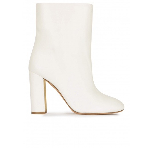 High block heel ankle boots in off-white nappa leather Pura L�pez