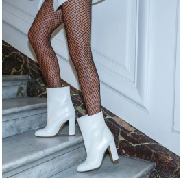 High block heel ankle boots in off-white nappa leather Pura López