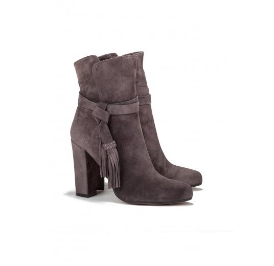 High heel boots in asphalt grey suede Pura L�pez